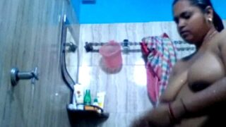 Nude solo MMS of desi lady